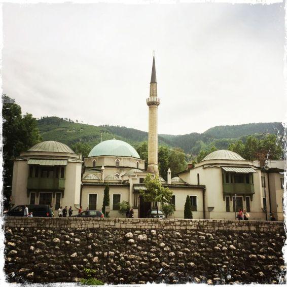 """Die Kaisermoschee """"Careva Dzamija"""" ist eine der wichtigsten Moscheen der Stadt (Foto: balkanblogger.com)"""