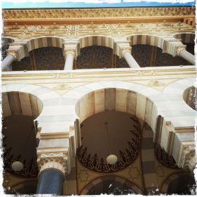 Es wurde im pseudo-maurischen Stil errichtet (Foto: balkanblogger.com)