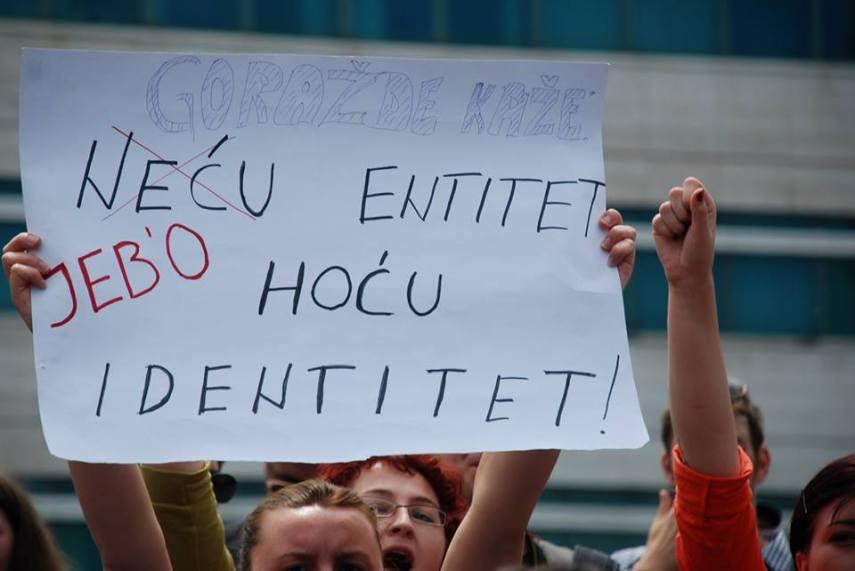 """""""Ich möchte keine Ethnie, sondern Indentität!"""""""