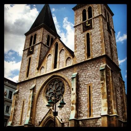 ... und die katholische Kathedrale ... (Foto: balkanblogger)