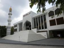 Staatsreligion ist der Islam. Leider sind keine weiteren Religionen erlaubt. Diese Tatsache trübt etwas die Schönheit der Insel. Dennoch, die Bewohner sind sehr gastfreundlich und keiner fragt nach der Religionszugehörigkeit (Foto: Balkanblogger)