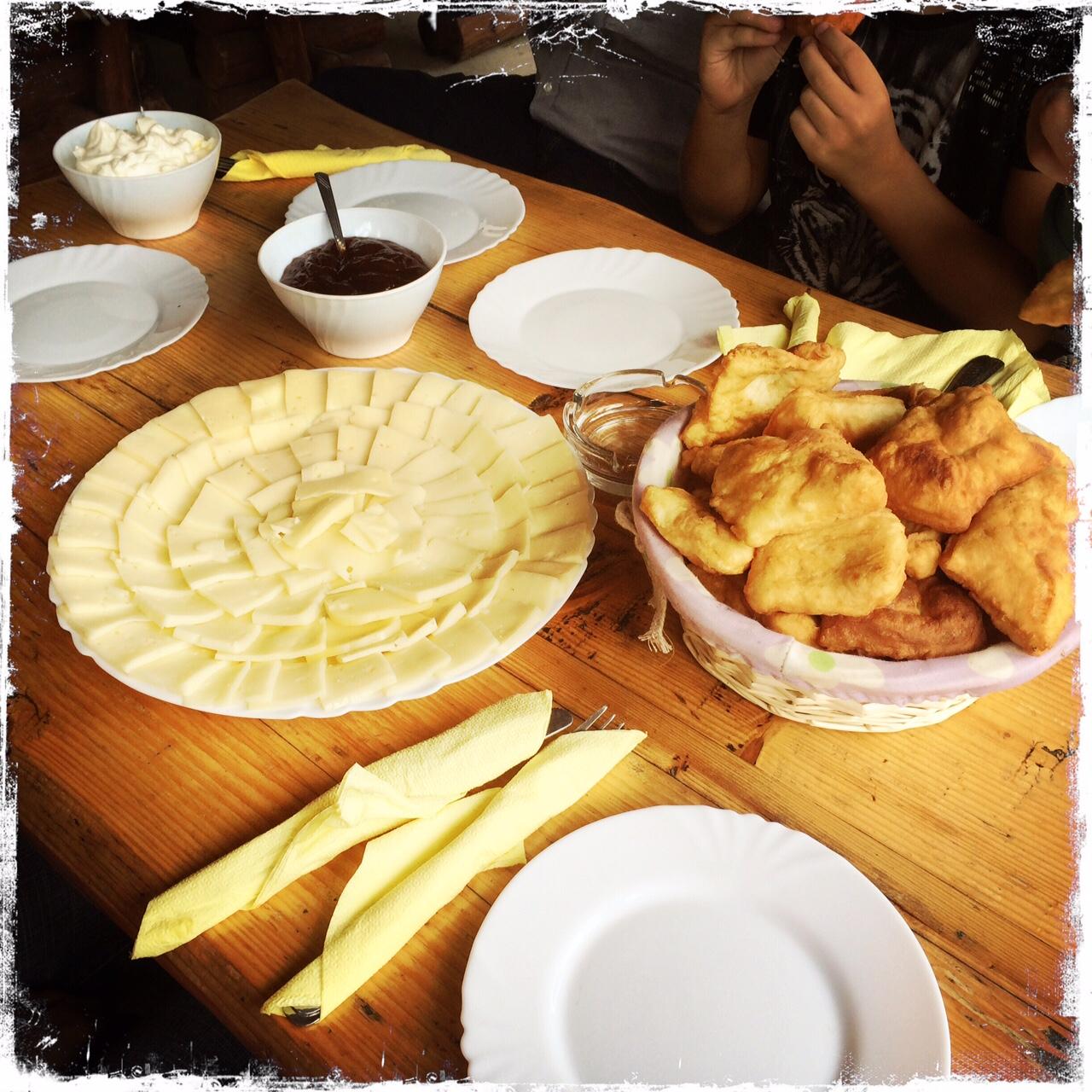 Nichts geht über ein richtiges Frühstück nach Balkanart (Foto: balkanblogger)