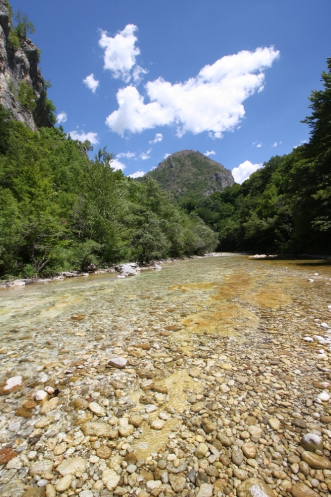 Der Fluss Rakitnica ist berühmt für seine gelbe Farbe (Foto: neretvarafting.ba)
