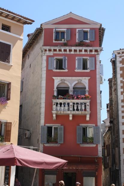 Dass die Stadt u.a. von Venezianern errichtet wurde, ist an der Architektur erkennbar (Foto: Balkanblogger)