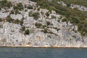 ... in denen sich einige Höhlen befinden. (Foto: Balkanblogger)