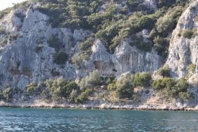 In dem reinen Wasser werden Muscheln und Austern gezüchtet ... (Foto: Balkanblogger)