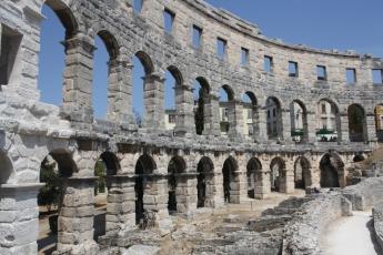Kaiser Augustus liess es erbauen und Kaiser Vespasian erweitertern. Der Legende nach war dies der Wunsch seiner istrischen Geliebten (Foto: Balkanblogger)