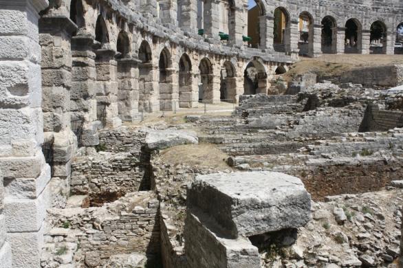 Im Amphitheater wurden Gladiatorenkämpfe präsentiert und es wurde auch geflutet für inszenierte Seeschlachten (Foto: Balkanblogger)