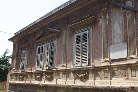 ... und schönen Fassaden säumen die Gassen und Strassen. (Foto: Balkanblogger)